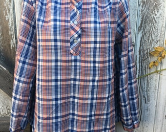 Vintage Women's Blue Plaid Blouse Size M