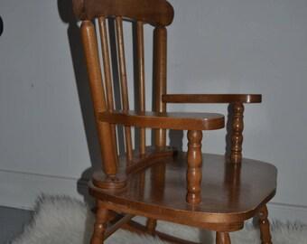 Adorable rocking chair / Cute kid Rocking Chair