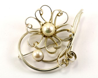 Vintage Faux Pearl Flower Pin/Brooch 925 Sterling BB 251-E