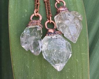 Clear crystal necklace / '' Herkimer diamond '' necklace / Raw crystal necklace / Crystal quartz necklace / Copper / April birthstone
