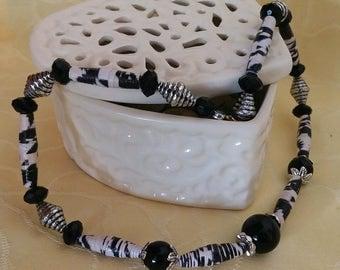 Pierrot - paper Bead Necklace