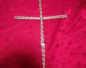 Welded metal cross