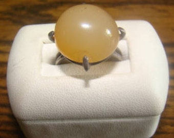 SALE Wonderful Vintage Silver ring with a Lovely Polished Stone Center