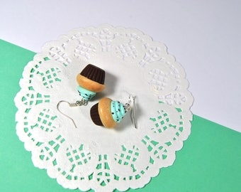 Cupcake polymer clay earrings with mint and chocolate shavings