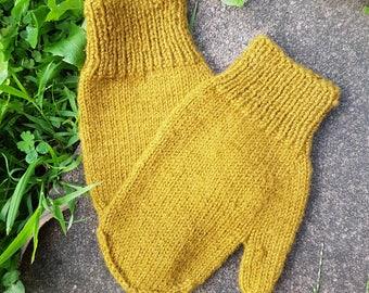 Vintage Retro Wool Mittens in Goldenrod