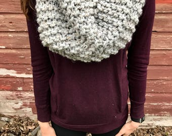 Winter Cowl in Gray Marble