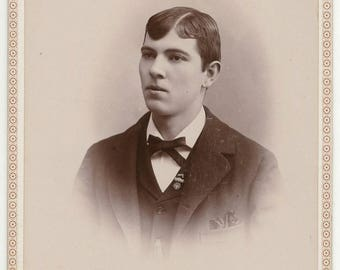 Antique 1880's Original Cabinet Card Victorian Gent