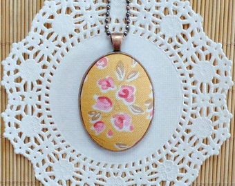 Floral Fabric Necklace, Fabric Necklace, Fabric Pendant, Fabric Jewelry, Pendant Necklace, Floral Fabric, Oval Pendant, Floral Boho Jewelry