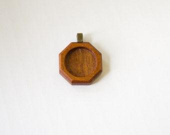 Pendant blank finished hardwood - Mahogany - 20 mm cavity - Brass Bail