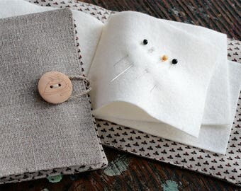 Small Linen Needle Book - Pincushion or Iron button