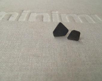 Tiny silohuette earrings n04 sterling blacked minimal studs