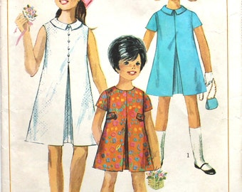 Girl's Dress with Inverted Pleat Size 8 Vintage Sewing Pattern Simplicity 7112 1960s
