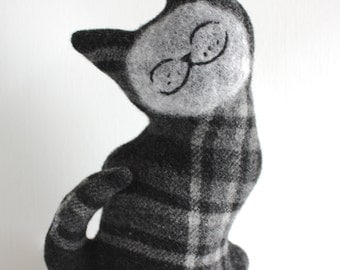 Blackthorn Cat - Wool Plush