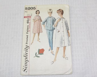 1960s Vintage Robe and Pajamas Pattern 36 Bust Simplicity 5205 1963