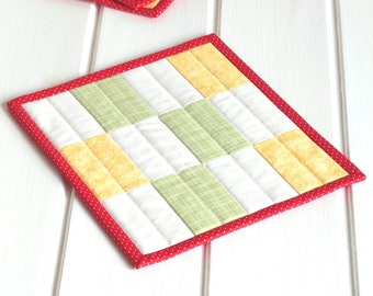 Quilted Fabric Mug Rug, Patchwork Mini Quilt, Yellow Green Table Mat Quilted Mug Rug, Red White Mug Rug Quilting, Snack Mat Quiltsy Handmade