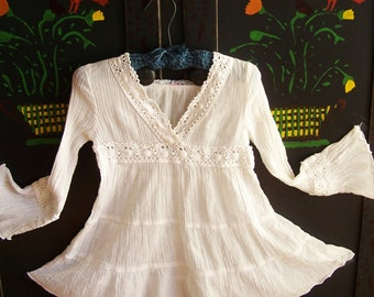 Child Mexican Dress, White Mexican dress, Girl Mexican dress, Youth, size 2, 3, 4 ish