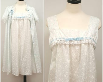 Vintage Pajama Set, Baby Doll Nightgown and Robe, Lightweight Summer Nightgown Set White with Blue Flowers and Lace Size M/L