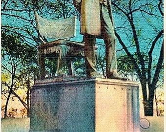 Chicago Vintage Postcard - Standing Lincoln in Lincoln Park (Unused)