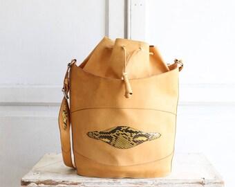 vintage large leather bucket bag | crossbody purse | natural leather
