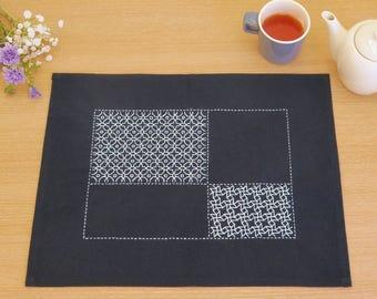Japanese Sashiko Kit, Chic Blue Cross Place Mat Embroidery DIY Kit, Easy Sashiko Stitch, Tutorial Pattern, Hand Embroidery Design, EK225