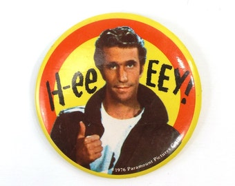 "vintage 70s badge 3.5"" the fonz pin button hey fonzarelli happy days collectible tv show sitcom retro oversize gift for him her dad friend"