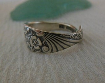 Floral Delight Spoon Ring  Antique  Sterling Silver  Size 6.5
