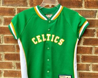 Retro Women's Medium Celtics Shirt - USA