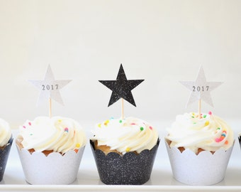 12 Sparkle Star Cupcake Toppers - Hand stamped with 2017, 2018, or 2019. Perfect for Graduation,  Reunion, and New Year's parties!