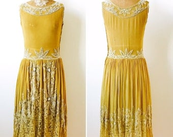 Vintage 1920s Beaded Silk Flapper Dress/Oliver color/Lace skirt/Gatsby Style/Wedding dress