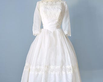 1950s Short Wedding Dress...Beautiful Ivory Organza Wedding Dress