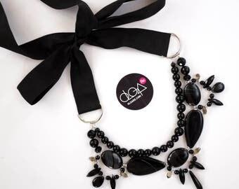 Black necklace with gemstones, strand oversized necklace, statement bib, black stones, obsidian, ribbon, boho chic necklace