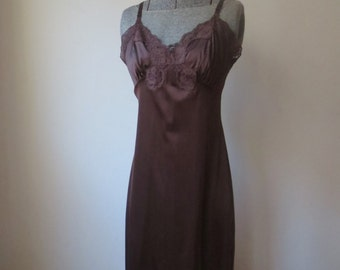 Vintage '60s/'70s Rich Chocolate Brown Nylon Full Slip, XS, 32