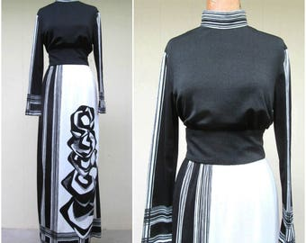 Vintage 1970s Dress / 70s Black White Abrstract Art Print Maxi Column Dress / Medium