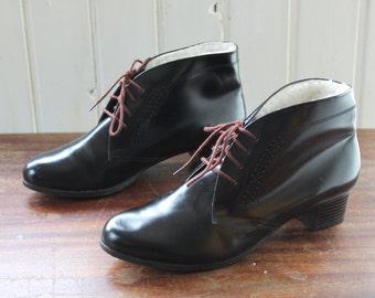Vintage Black Fur Lined Ankle Boots / EU38-39 / Op-art