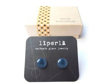 Blue stud earrings, Dazzling Blue fused glass Stud earrings, 8,5 mm small blue studs