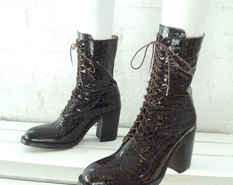 Free Lance Ankle Boots 9.5 40 90s Vintage Brown Patent Leather Crocodile Chunky Heel Boots FreeLance Almond Toe Boho Croc Lace Up Midi Boots