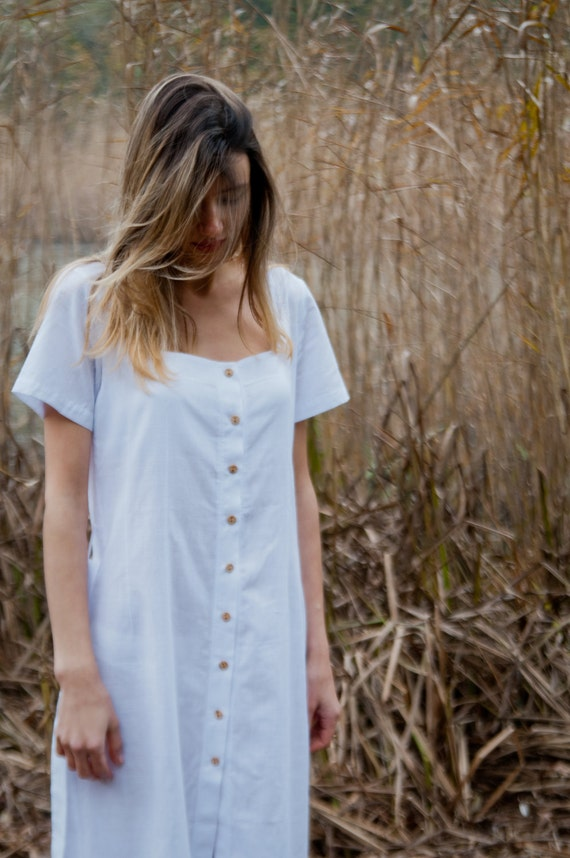 ON SALE >> Button-Up Nightdress in White