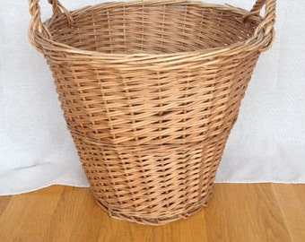 Large Vintage Wicker Laundry/Market Basket with price tag from Woodward & Lothrop  John Wanamaker