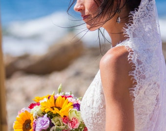 lace mantilla veil ivory fingertip veil spanish eyelash lace wedding ...