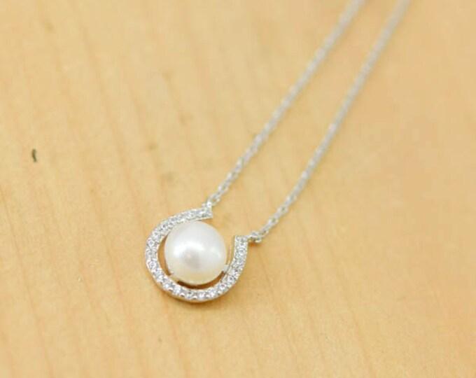 Horseshoe Necklace, Horseshoe Pendant, Pearl, 925 Sterling Silver Necklace, Crystal Necklace Pendant, Bridesmaid Gift, Bridesmaid Necklace,
