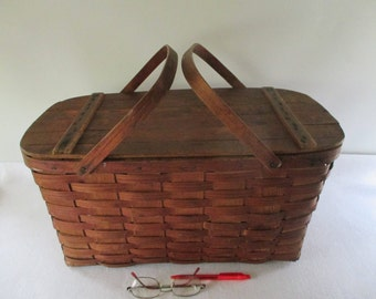 Picnic Basket, Vintage Oak Splints Split Wood Hamper Large Double Carry Handle Traditional Weekend Getaway Beach Cottage Cabin Decor Storage