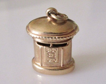 9ct Gold Post or Mail Box Charm