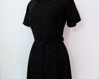 50's Early 60's Flocked Rayon Dress Sweet Pink Black Daisy Layered Petal Collar Belted M