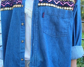 Chemise jeans broderies, strass ethnique
