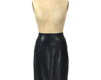 vintage 1980s leather pencil skirt / Scully / black / straight skirt / biker chick dom / women's vintage skirt / tag size 6