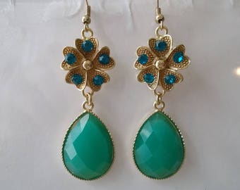 SALE Green Teardrop Dangles Earrings with a Gold Tone and Rhinestones Flower Charm