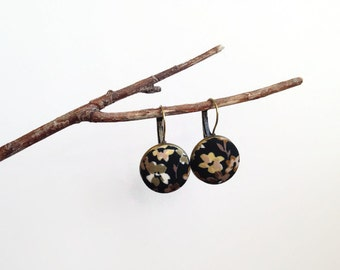 Antique brass dangle earrings leverback black kaki beige - Fall floral Fabric covered button jewelry Vintage botanical print Pendant earring