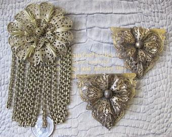 1920's Brass-Tone Filigree Metal Dress Clips & Brooch Pin Set. Art Nouveau Costume Jewelry. Goldtone Almost-Antique Fashion Flapper Jewelry