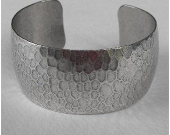 Mothers Gift for Her, Wife, Sister, Mom, Splendid  Hammered Ox Sterling Silver Plated Cuff Bracelet, 25mm, Easy to Wear, Beautiful Gift