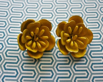 Yellow Flower Clip On Earrings/ Vintage Clip On Earrings